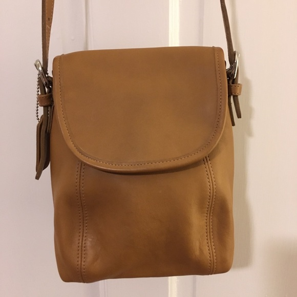 Coach Handbags - Coach small shoulder bag
